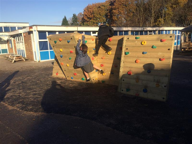 Outdoor Climbing Wall For Schools