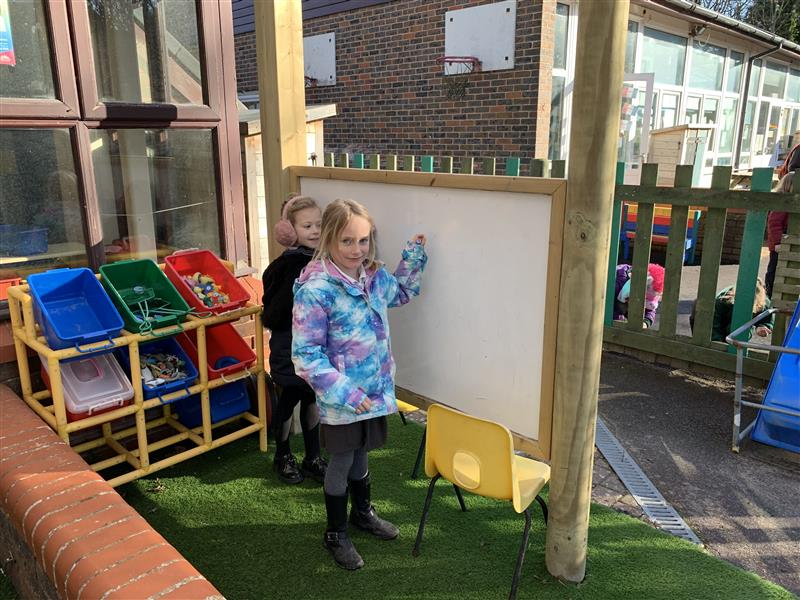 outdoor whiteboard for eyfs