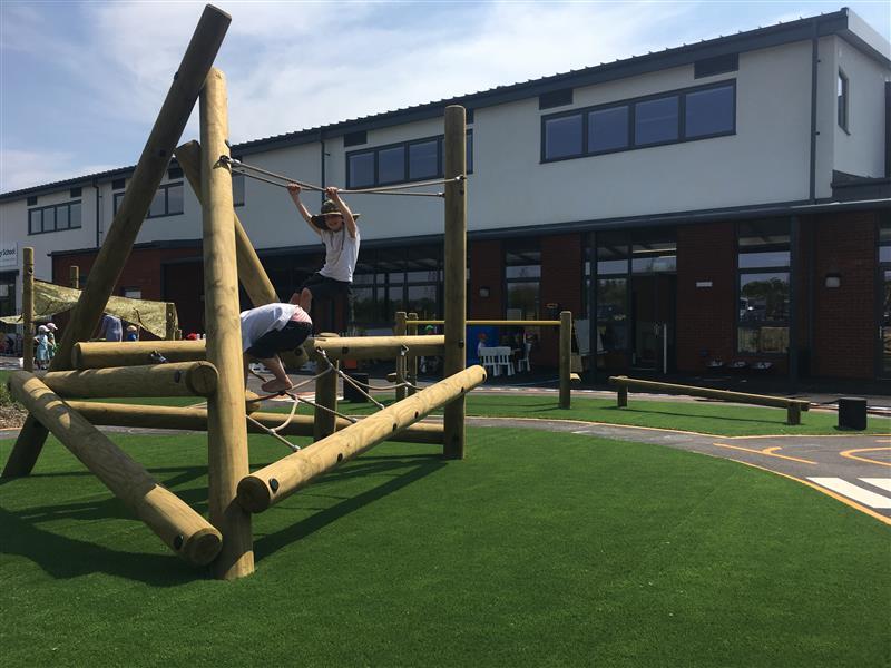 eyfs climbing frames for schools