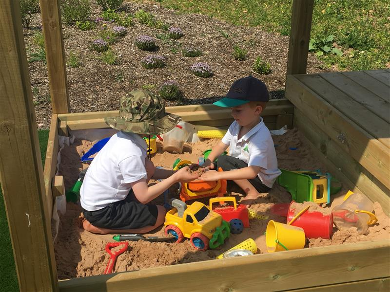 messy play equipment for eyfs