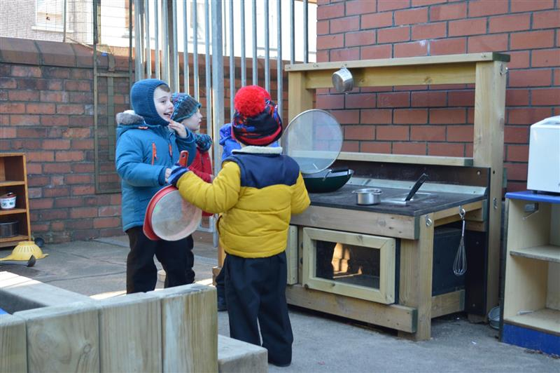 playground mud kitchen