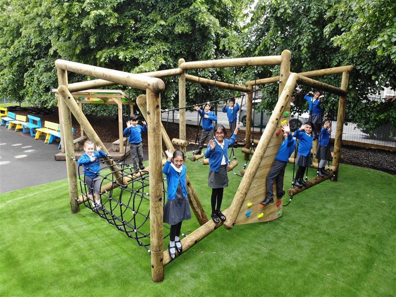 Climbing-frames-for-schools