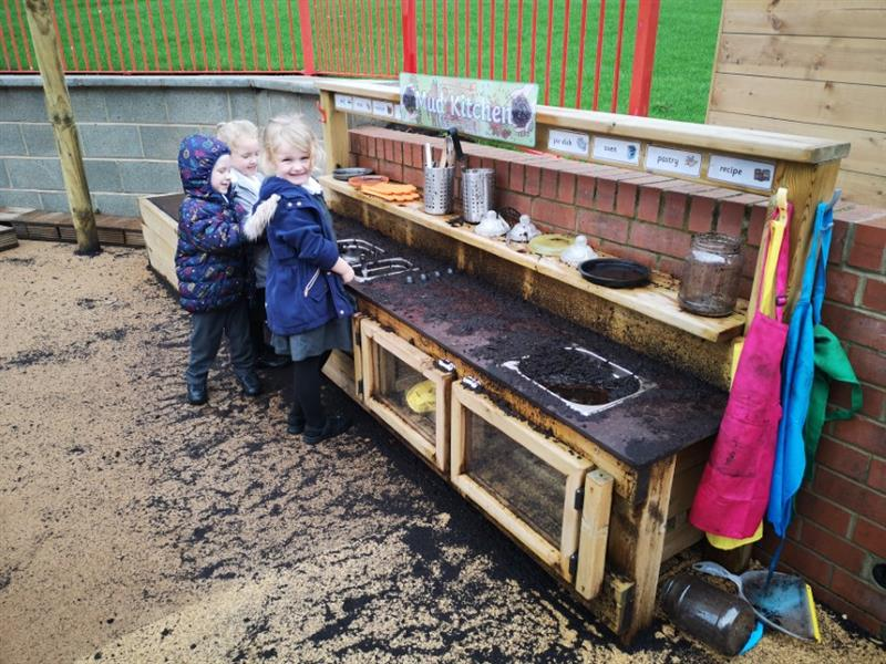 Mud Kitchens For Primary Schools