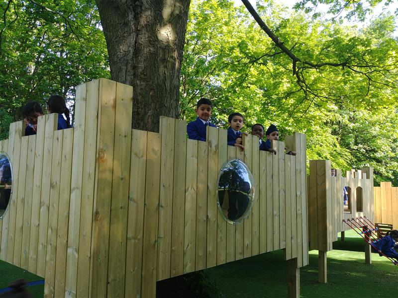 primary school tree house