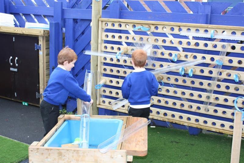 KS1 Water Play Equipment