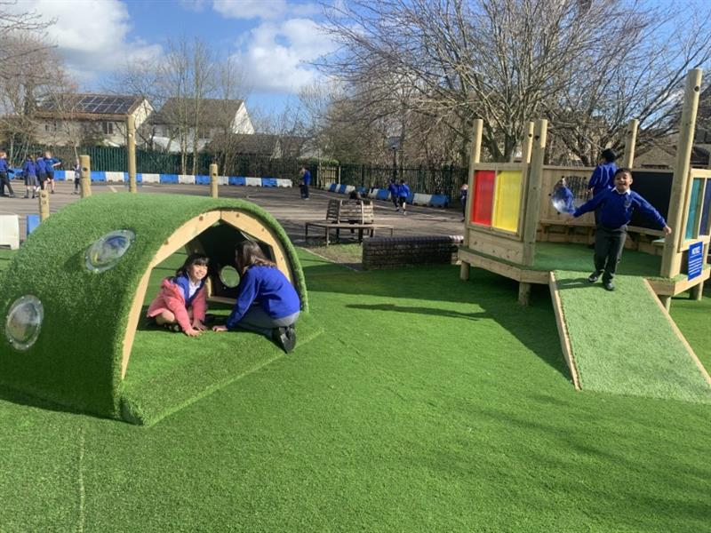 outdoor play area for schools
