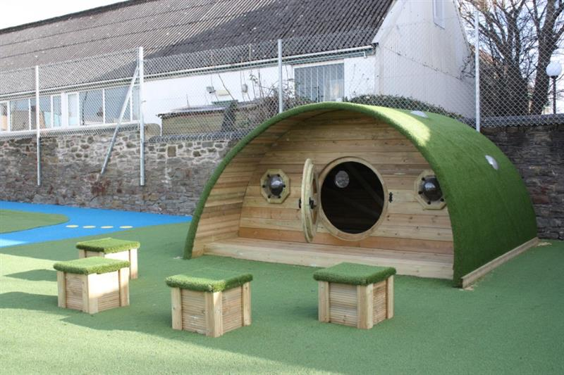 Playground Dens for Schools