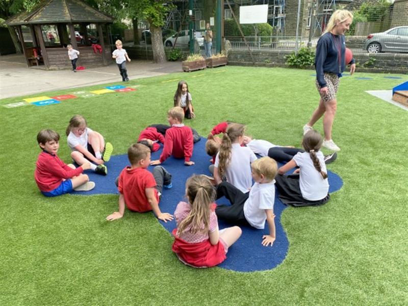 children sat on our safersurf splash