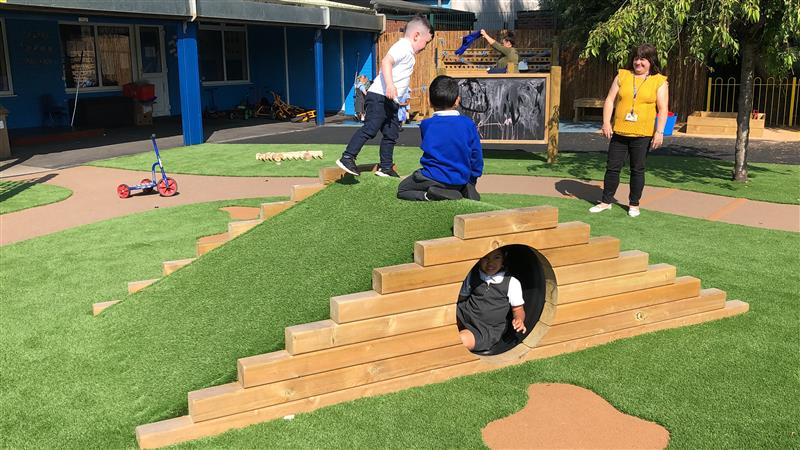 outdoor play equipment for early years