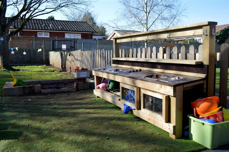 Mud Kitchen - Early Years Outdoor Play Equipment