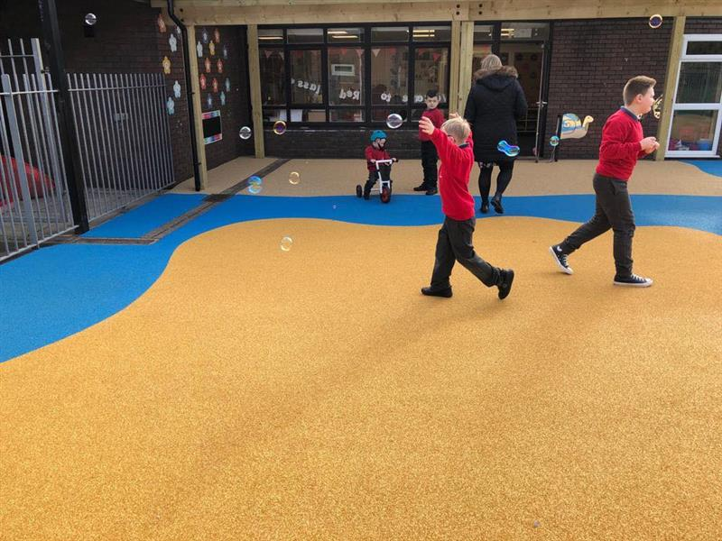 outdoor play at schools