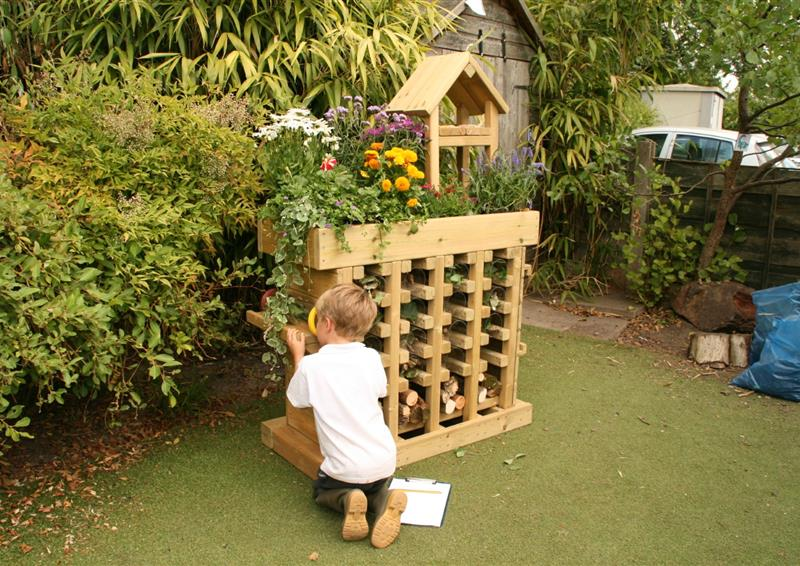 school bug hotel ideas