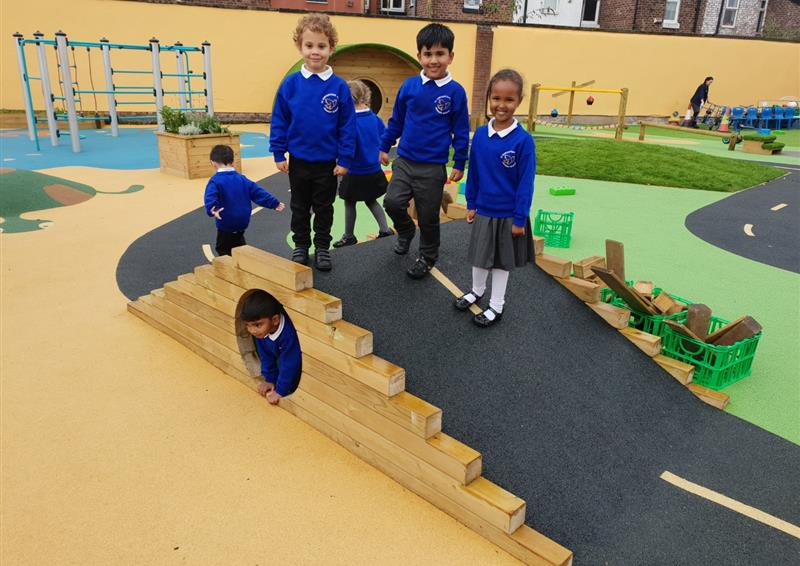 eyfs playground equipment uk