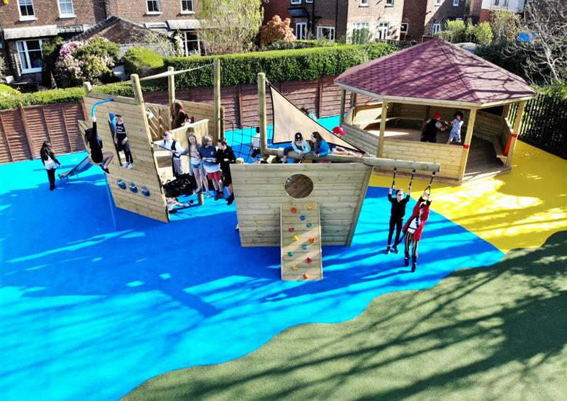 Themed play ship for schools