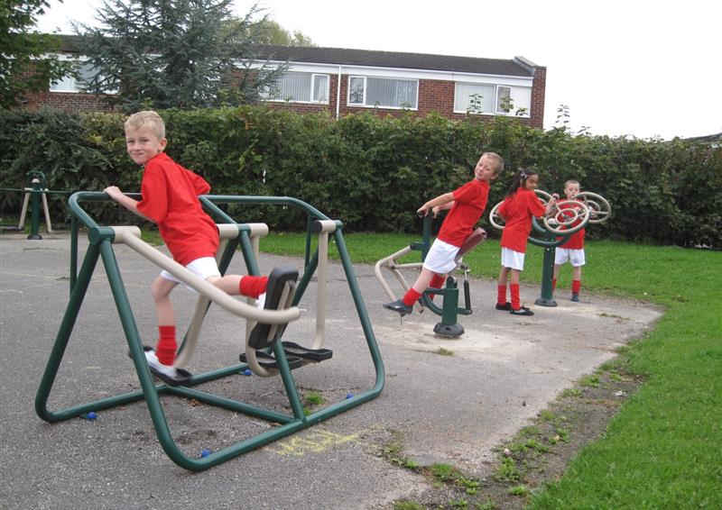 outdoor gym equipment fro schools
