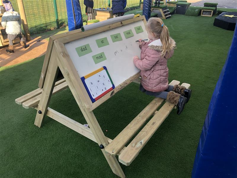 easel table for schools