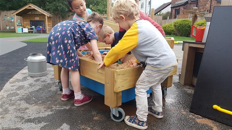 sand table on wheels