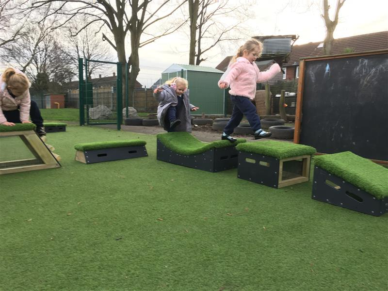 outdoor play equipment for preschoolers