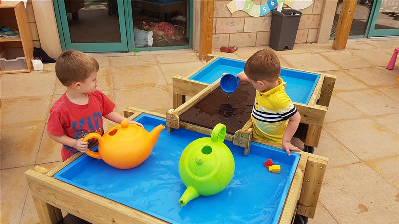 Outdoor Water Play Equipment For Nursery